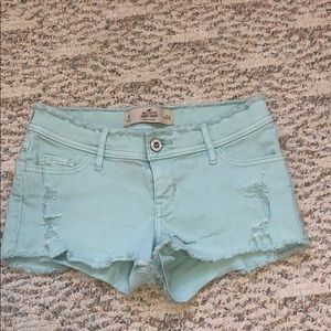 Light to your Hollister shorts